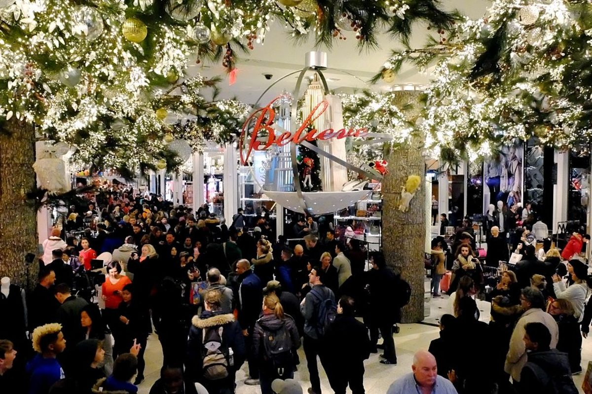 Black Friday shoppers at Macy's, 2016. Photo: Eduardo Munoz Alvarez / Stringer
