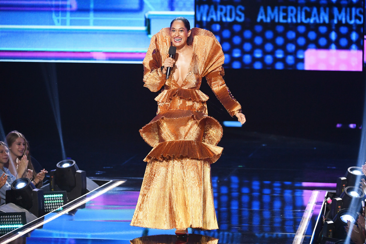 Tracee Ellis Ross hosting the 2017 America Music Awards. Photo: Kevin Winter/Getty Images