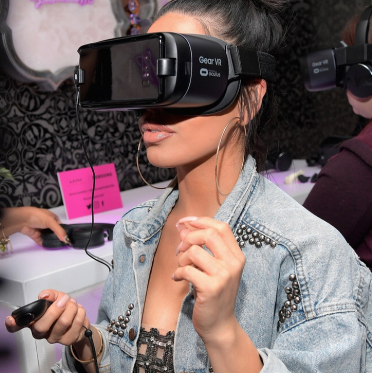 Nyx's virtual reality in-store experience. Photo: @nyxcosmetics/Instagram