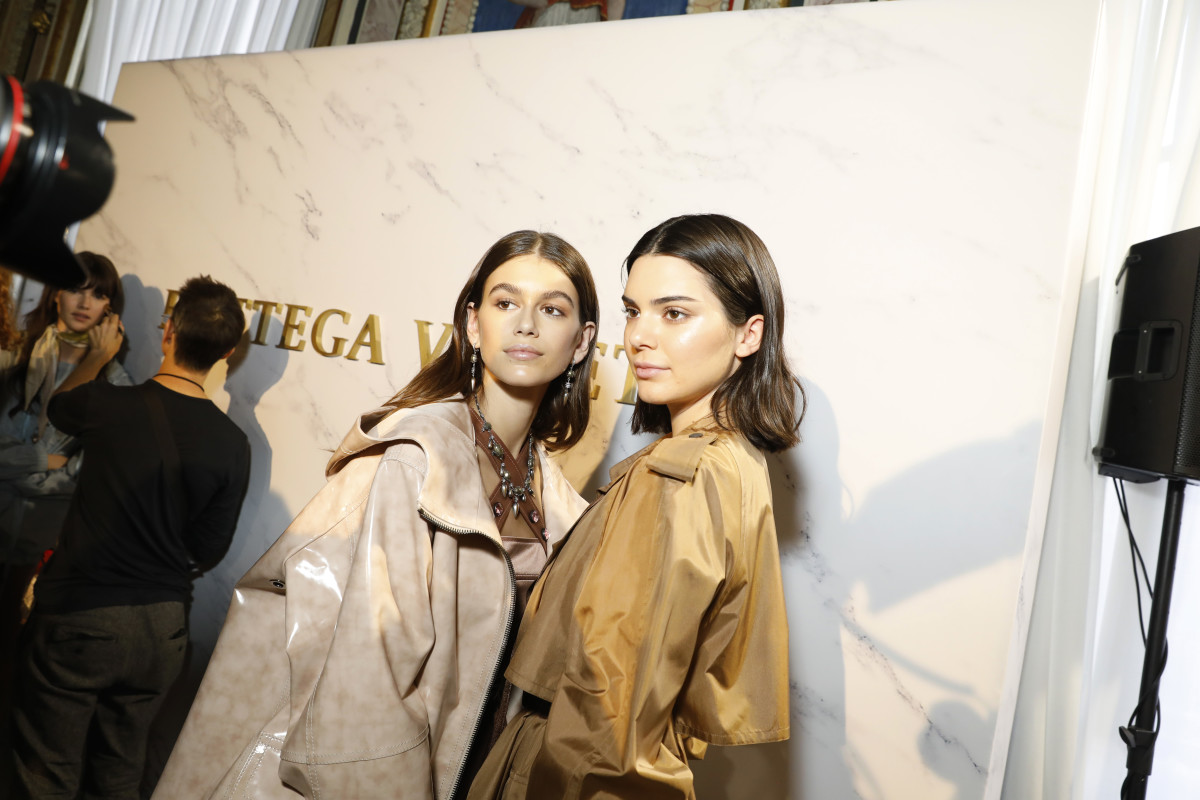 Breakout Instagirl Kaia Gerber and money-maker Kendall Jenner backstage at Bottega Veneta Spring 2018. Photo: Tristan Fewings/Getty Images