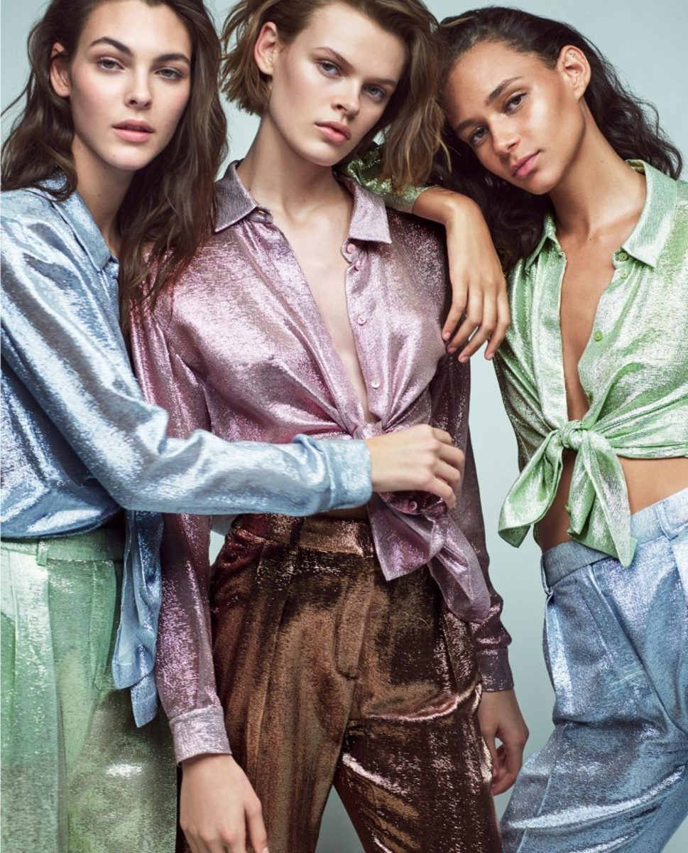Binx Walton, Cara Taylor and Vittoria Ceretti for Alberta Ferretti Spring 2018. Photo: Mario Sorrenti