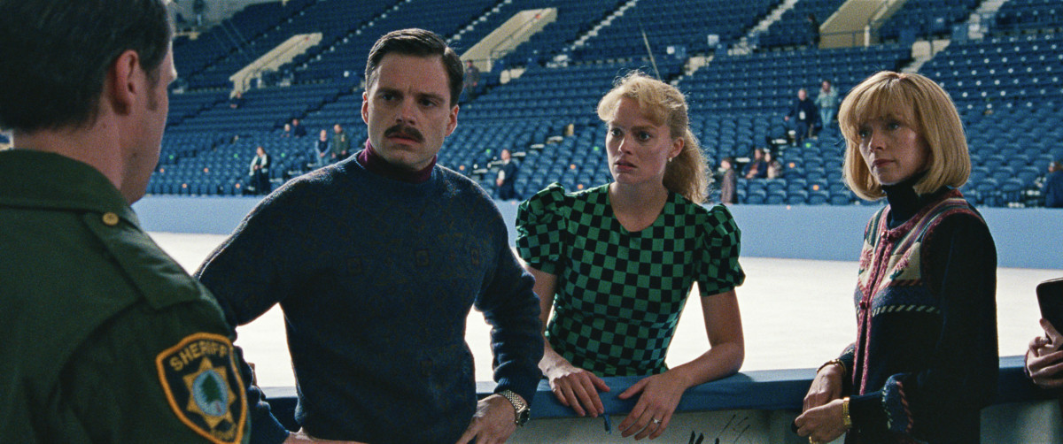 Gillooly, Harding (Margot Robbie) and coach Diane Rawlinson (Julianne Nicholson). Photo: Courtesy of Neon