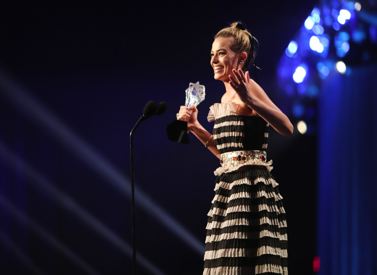 Margot Robbie accepting her Best Actress award in Chanel. Photo: Christopher Polk/Getty Images for The Critics' Choice Awards