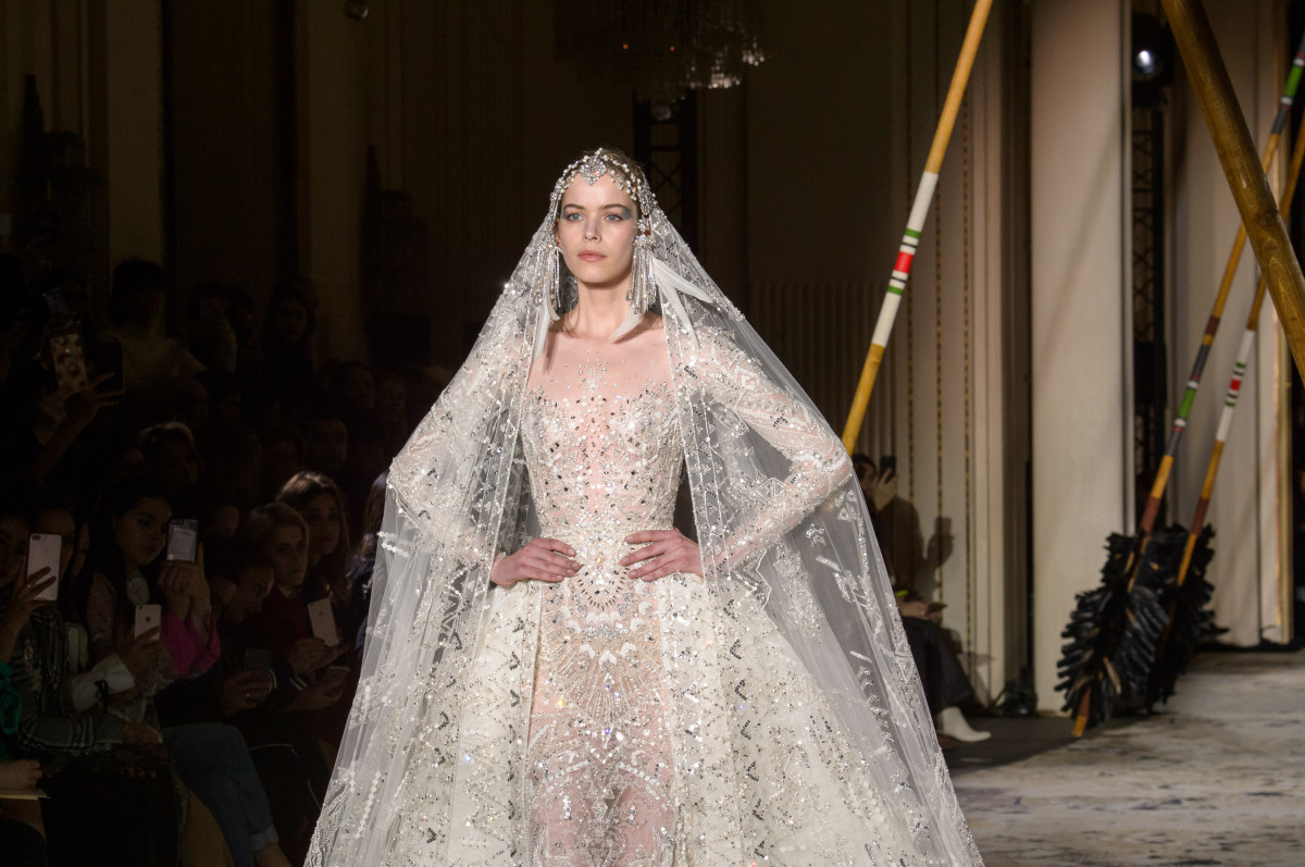 The Finale Look From Zuhair Murad S Spring 2018 Haute Couture Runway Show Photo Imaxtree