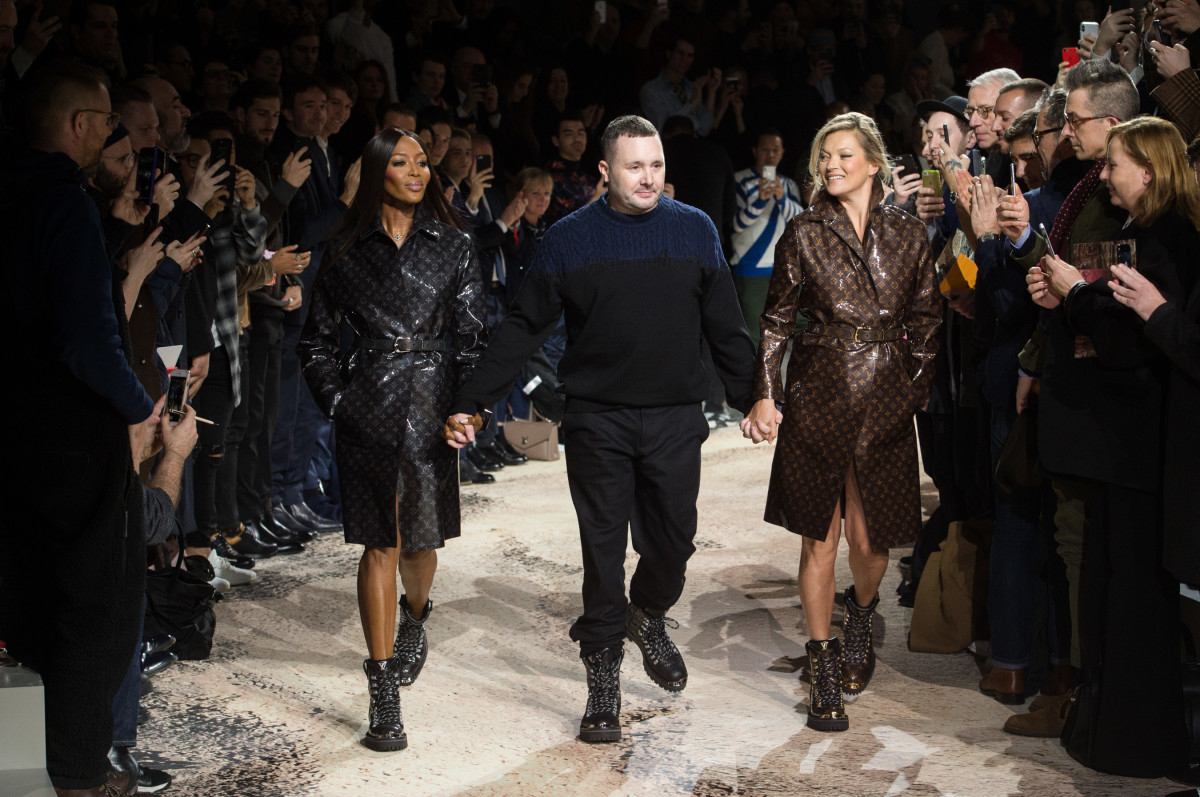 Naomi Campbell, Kim Jones and Kate Moss at the Louis Vuitton's Fall 2018 men's show. Photo: Imaxtree