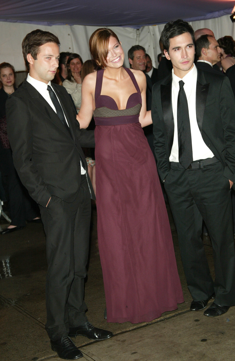 Jack McCollough, Mandy Moore and Lazaro Hernandez at the 2004 Met Gala. Photo: Evan Agostini/Getty Images