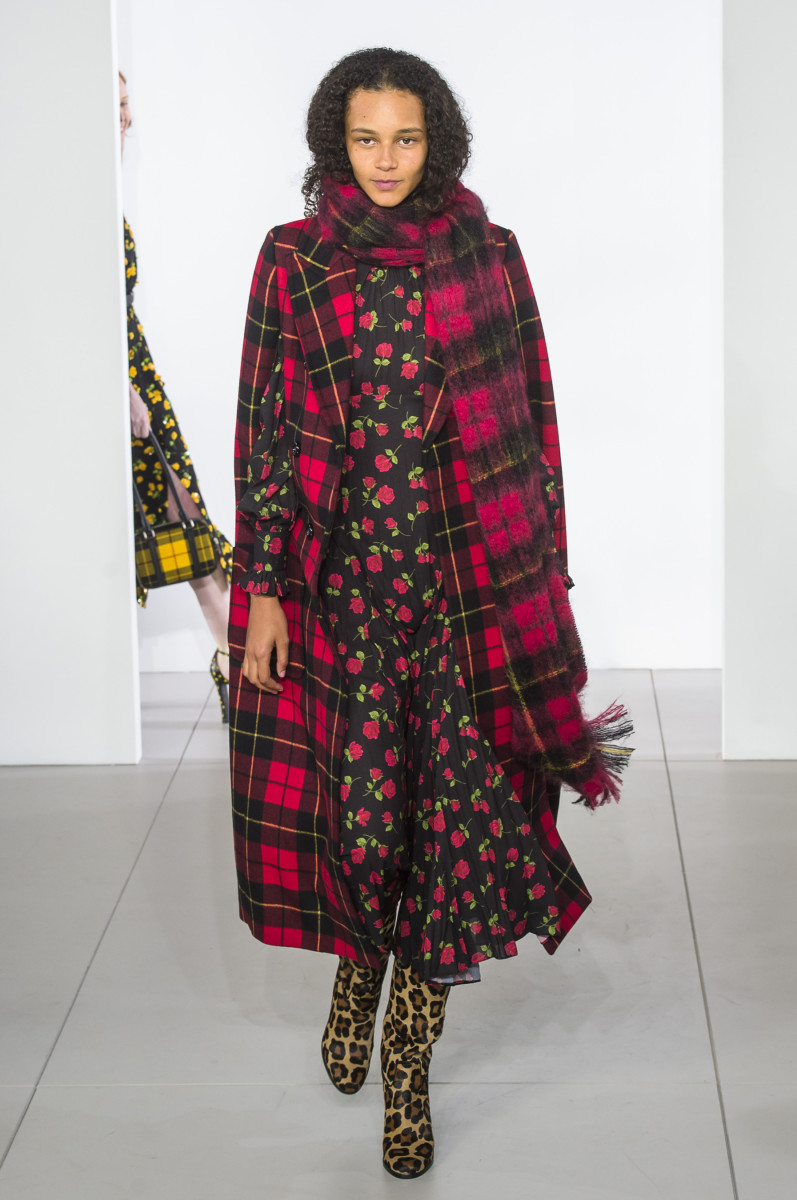 1e2bc9154aea A look from the Michael Kors Fall 2018 show. Photo  Imaxtree