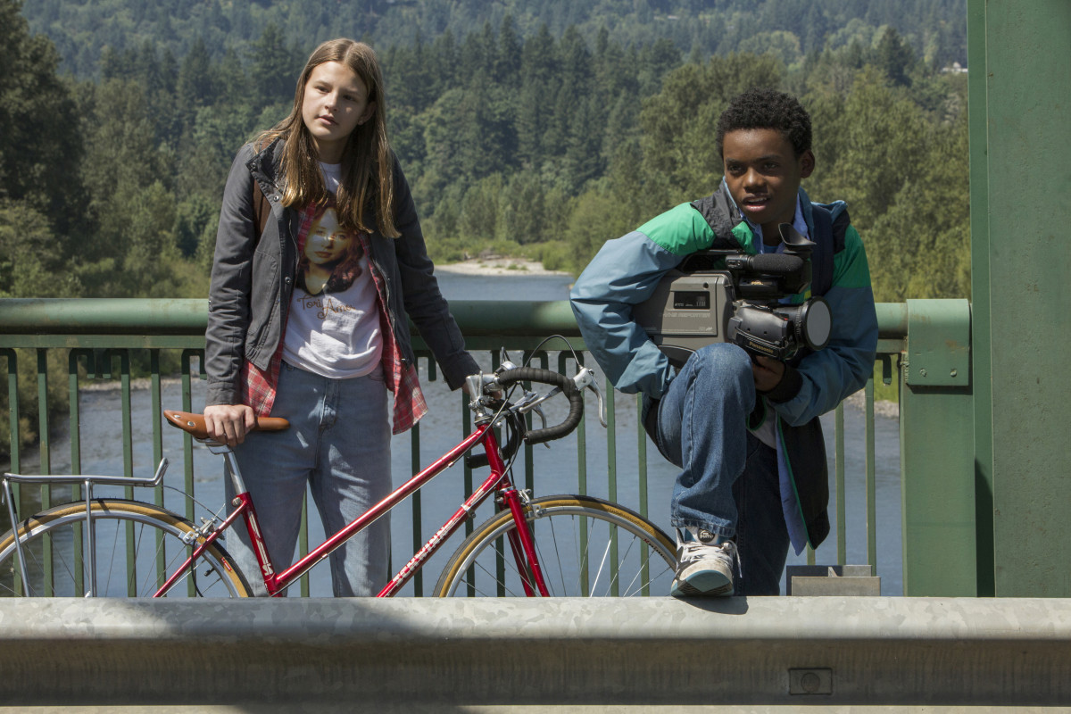 Kate (Peyton Kennedy), Tori Amos and Luke (Jahi Di'Allo Winston). Photo: Scott Patrick Green/Netflix