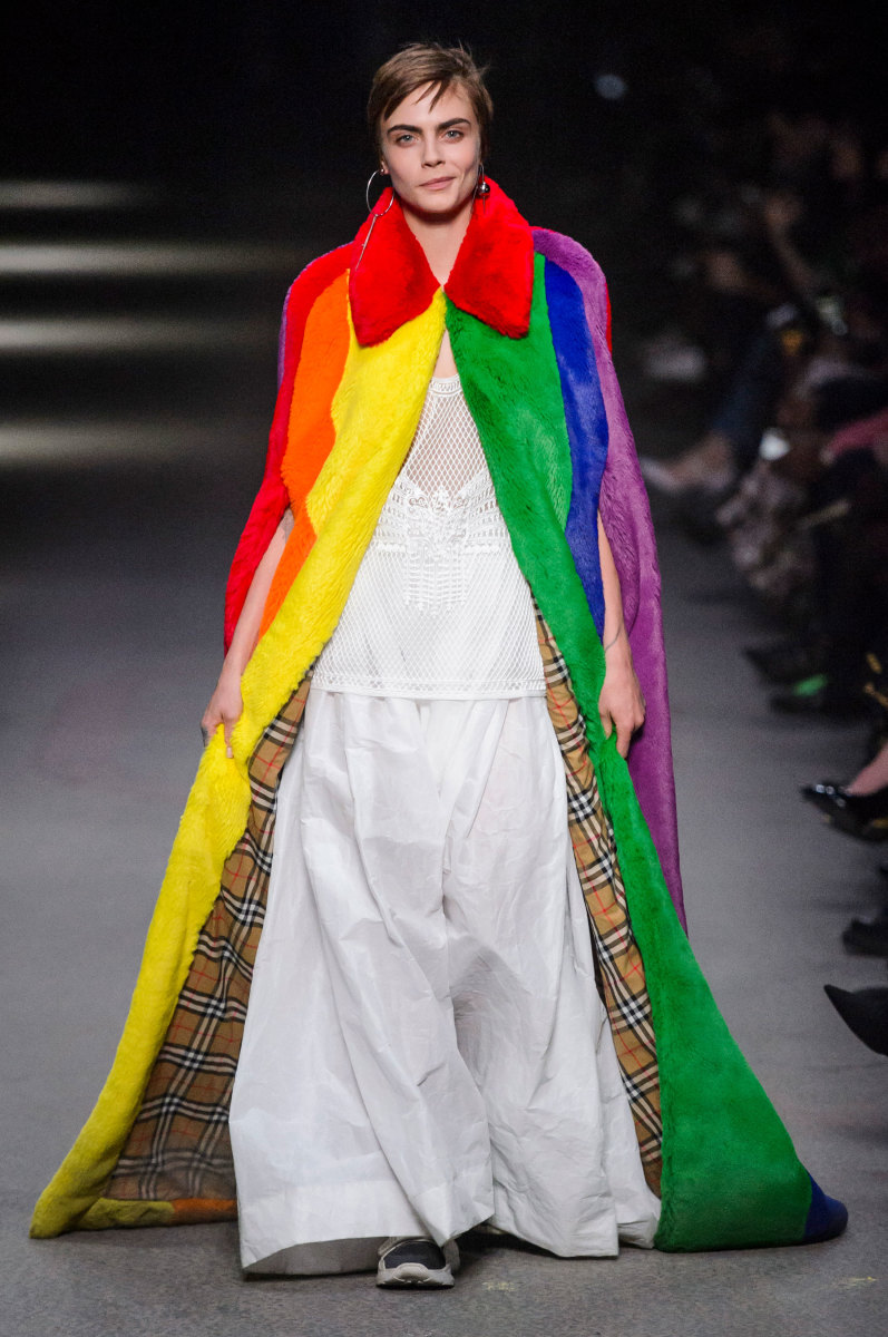 Every Look From Burberry s February 2018 Collection - Fashionista ec90d879133