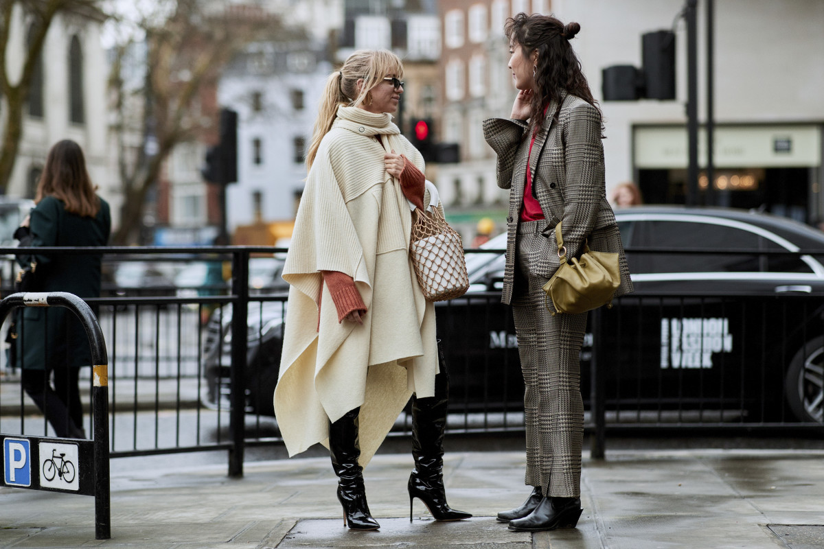 On the street at London Fashion Week Fall 2018. Photo: Imaxtree
