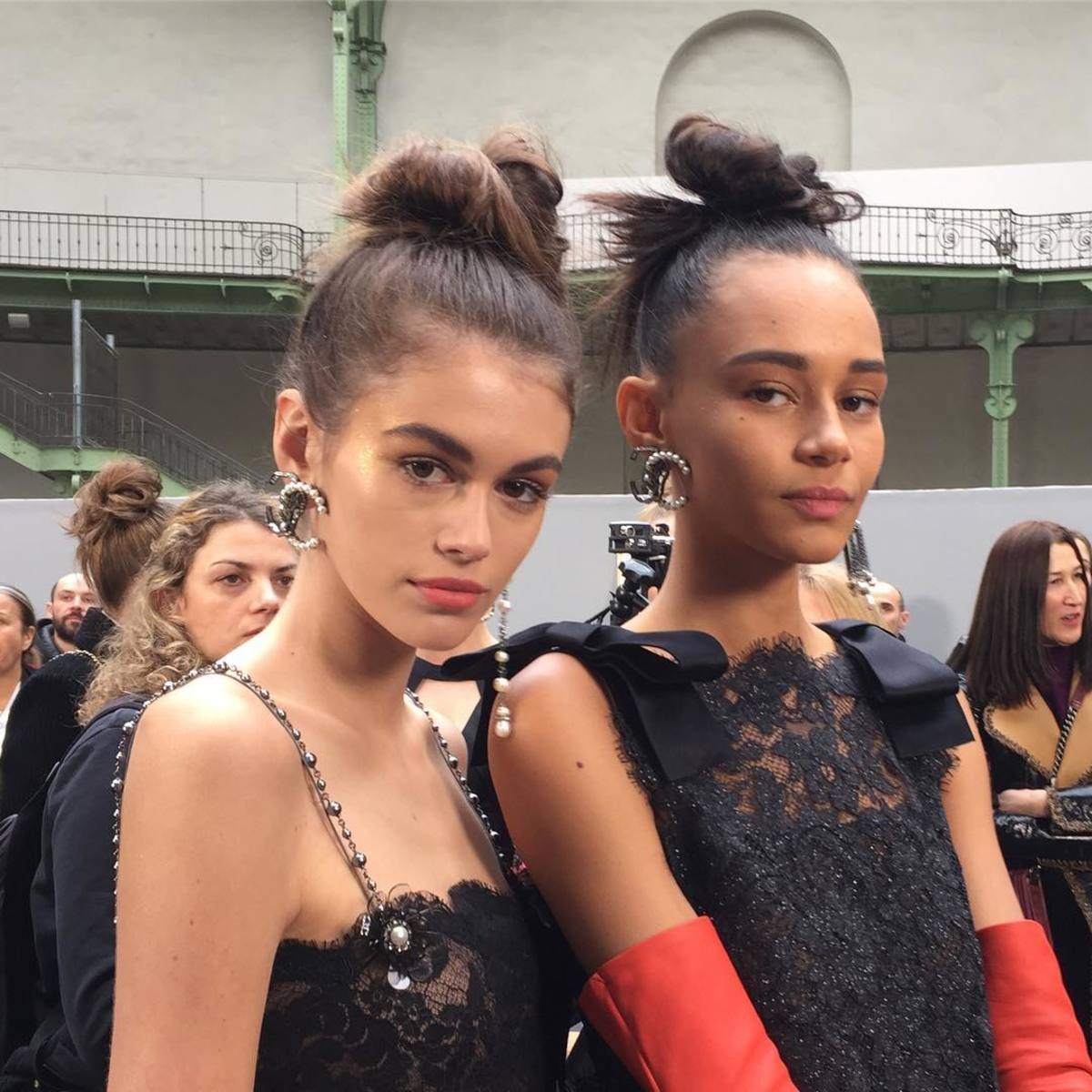 Kaia Gerber and Binx Walton backtage at Chanel's Fall 2018 show. Photo: @hairbysammcknight/Instagram