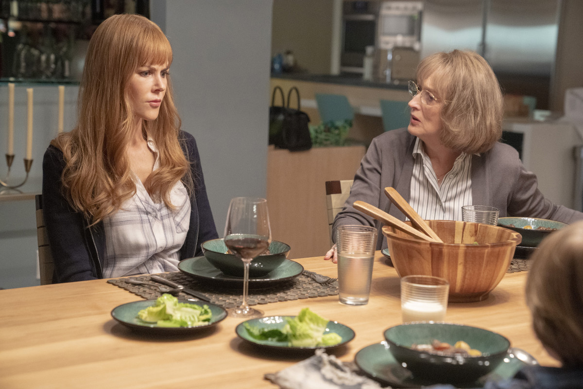 Celeste and Mary Louise have an awkward dinner conversation. Photo: Jennifer Clasen/Courtesy of HBO