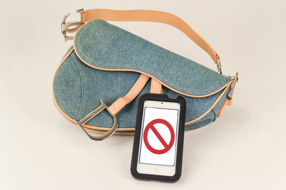 "A Dior bag being ""unverified.""Photo: Courtesy of Entrupy"