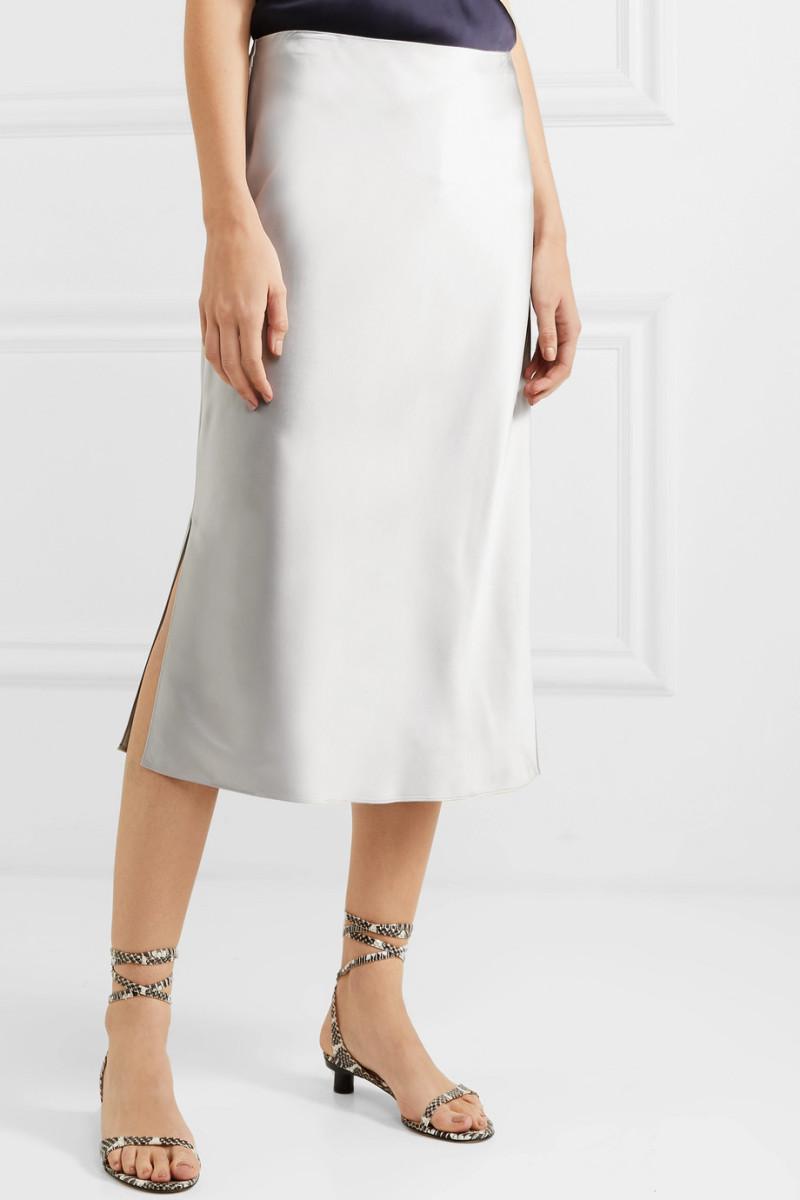 9e1b939ecd https://fashionista.com/2019/06/rio-pr-is-hiring-a-pr-marketing ...