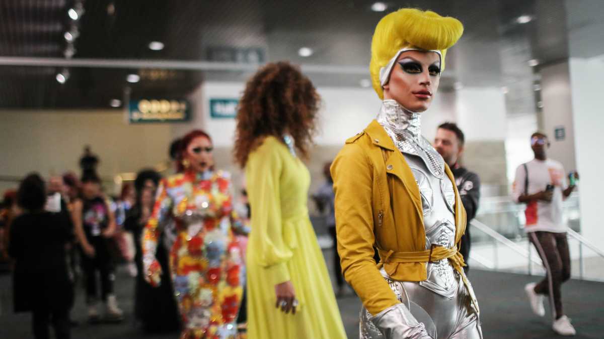 Must Read: How Drag Queens Became Beauty Leaders, Farfetch Denies Rumors of Buying Barneys