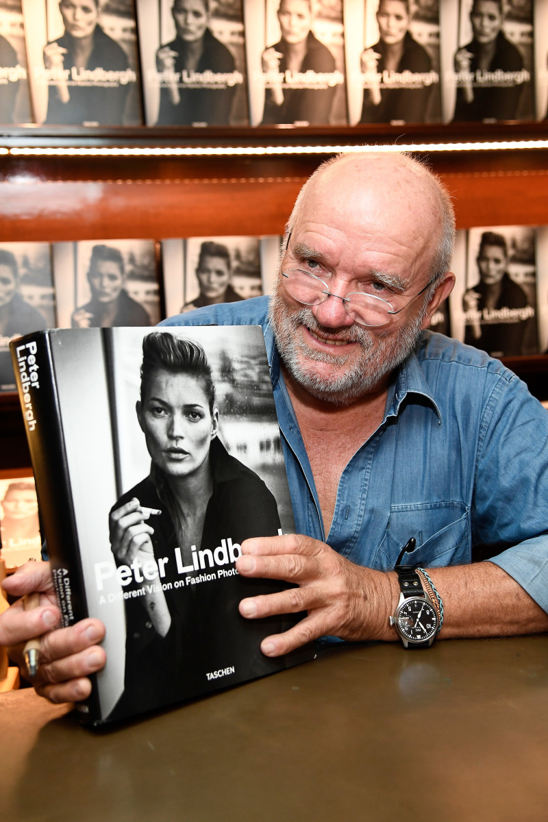 """Peter Lindbergh at his book signing for """"A Different Vision On Fashion Photography"""" in 2016 in Los Angeles. Photo: Frazer Harrison/Getty Images"""