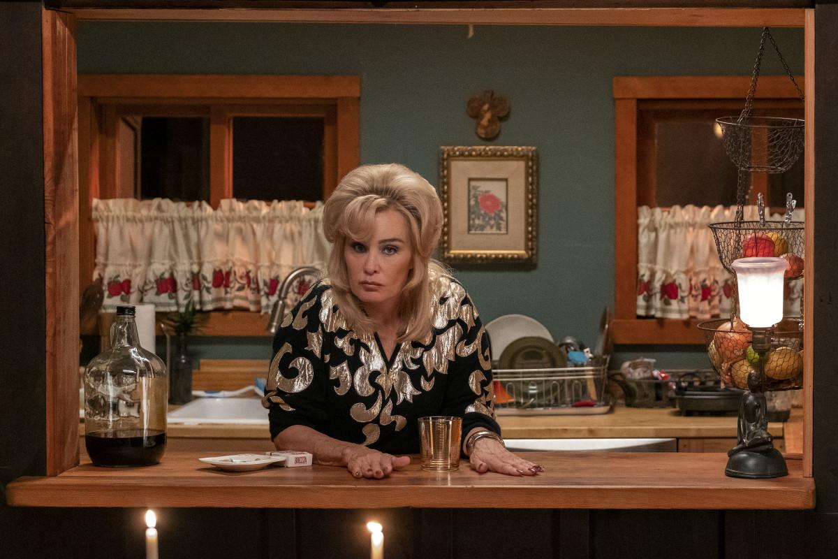 Dusty Jackson (Jessica Lange). Photo: Courtesy of Netflix