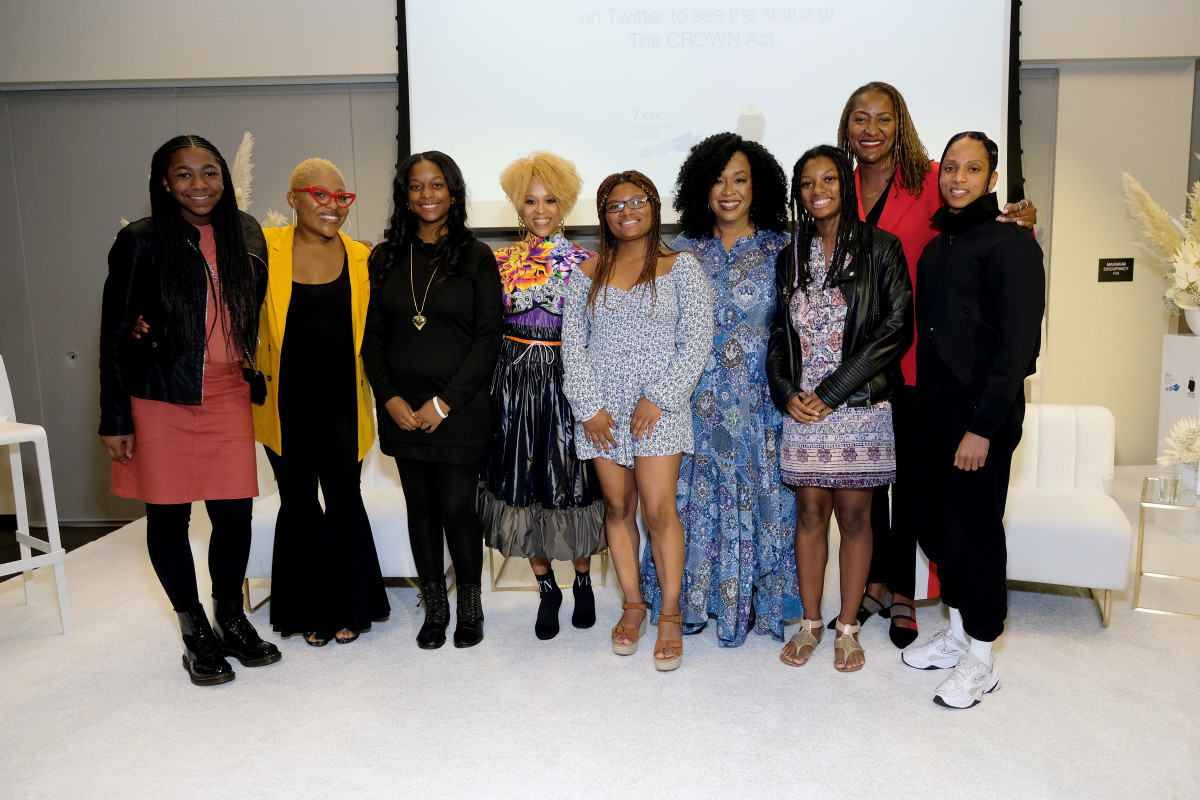 Faith Fennidy, Dre Brown, Tyrelle Davis, Esi Eggleston, Deanna Cook, Shonda Rhimes, Mya Cook, Senator Holly J. Mitchell, Jenaya 'Future' Kahn. Photo: Courtesy of Dove