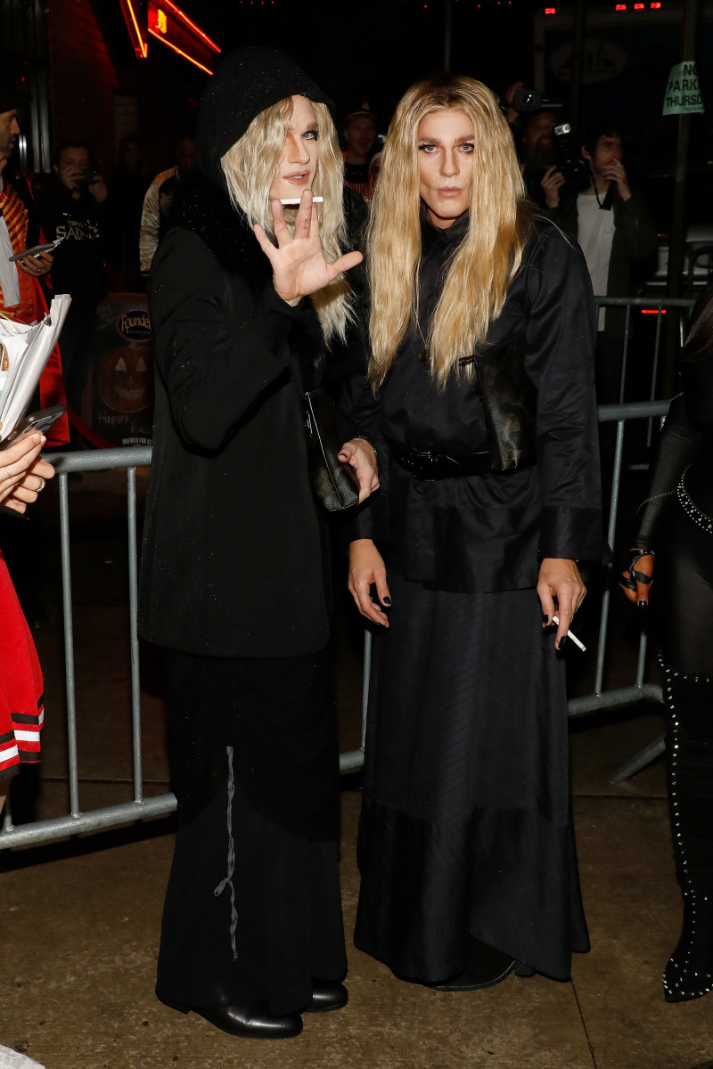 Neil Patrick Harris and David Burtka as Mary-Kate and Ashley Olsen at Heidi Klum's Annual Halloween Party at Cathédrale. Photo: Taylor Hill/Getty Images