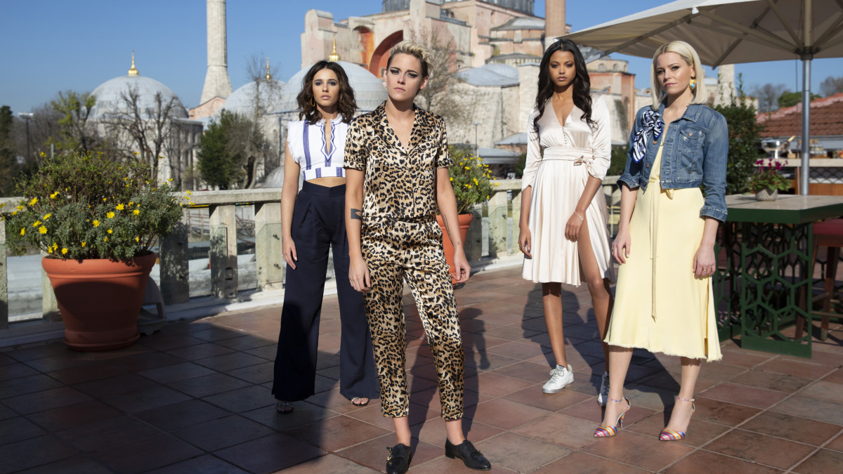 Kristen Stewart Wears a 'Leopard Print Lounging Suit' and a Lot of 'Barbie Doll' Pink in 'Charlie's Angels' - Fashionista