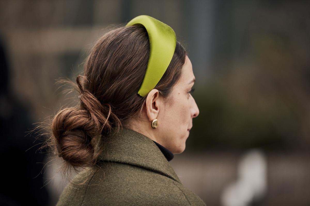 woman wearing a padded headband