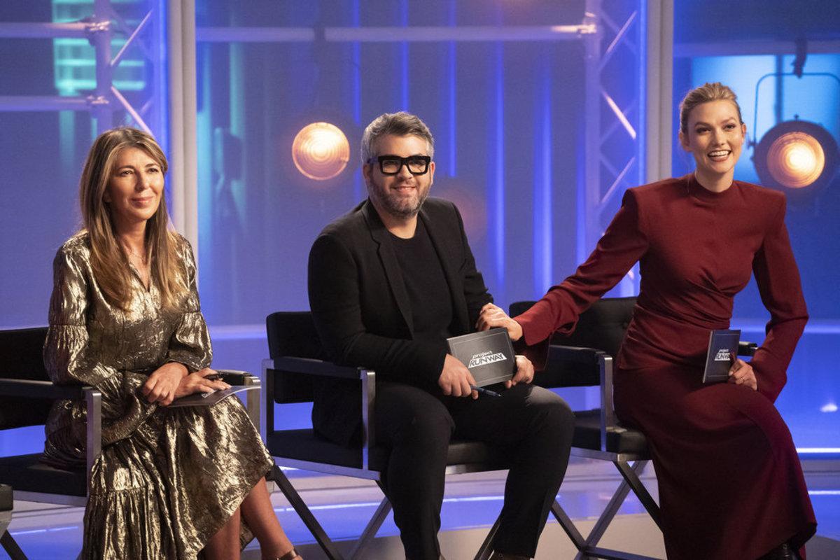 Nina Garcia, Brandon Maxwell e Karlie Kloss no set de 'Project Runway'.