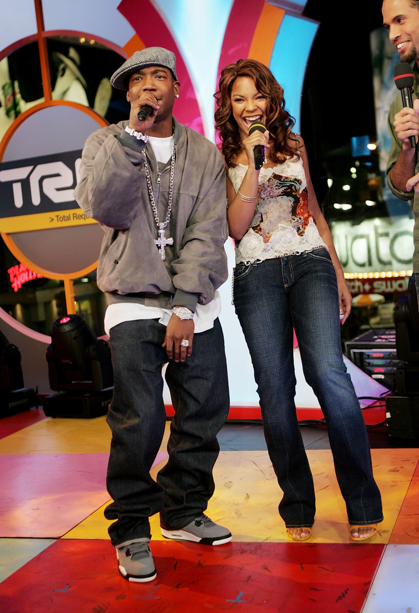 Ja Rule and Ashanti on MTV's Total Request Live in November 2004. Photo: Evan Agostini/Getty Images