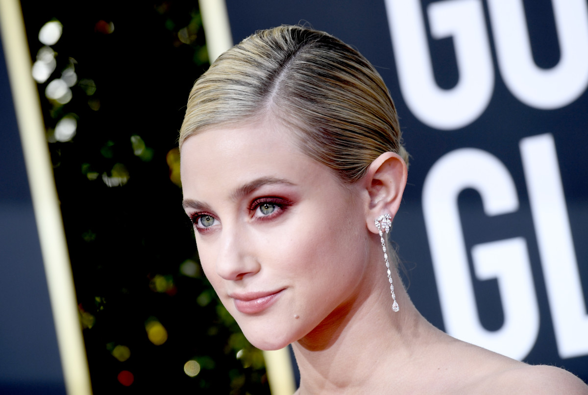 Lili Reinhart at the Golden Globes, wearing Pat McGrath Labs's new FetishEyes Mascara. Photo: Frazer Harrison/Getty Images