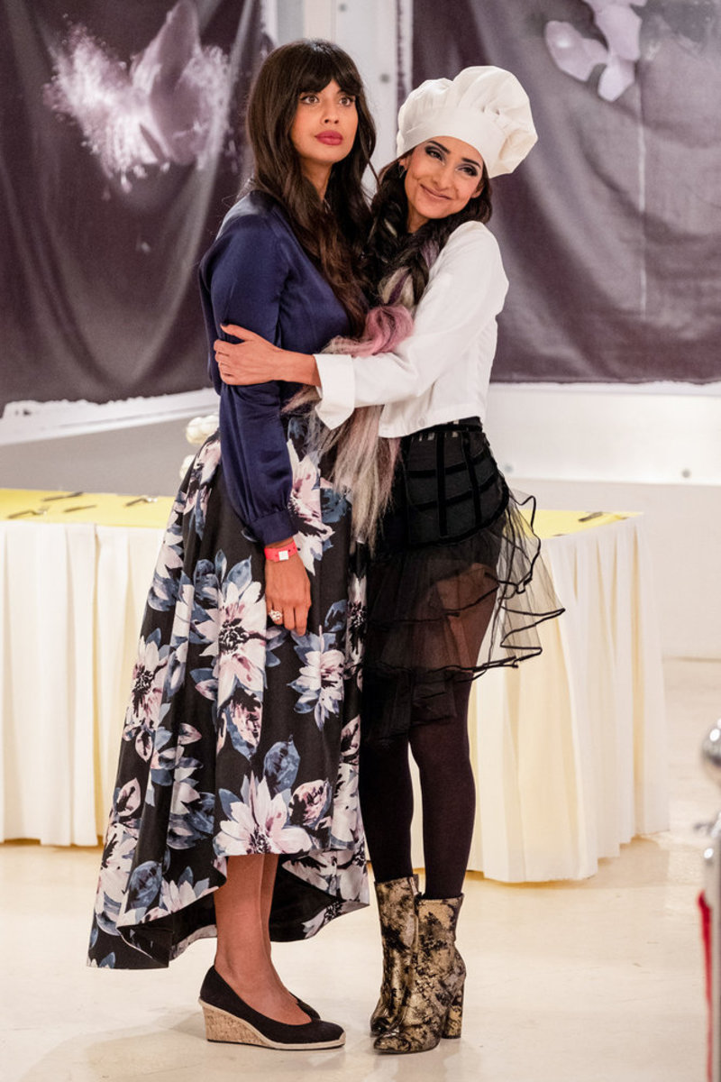 Tahani Al-Jamil (Jameela Jamil) and scene-stealing sister Kamilah (Rebecca Hazlewood). Photo: Colleen Hayes/NBC