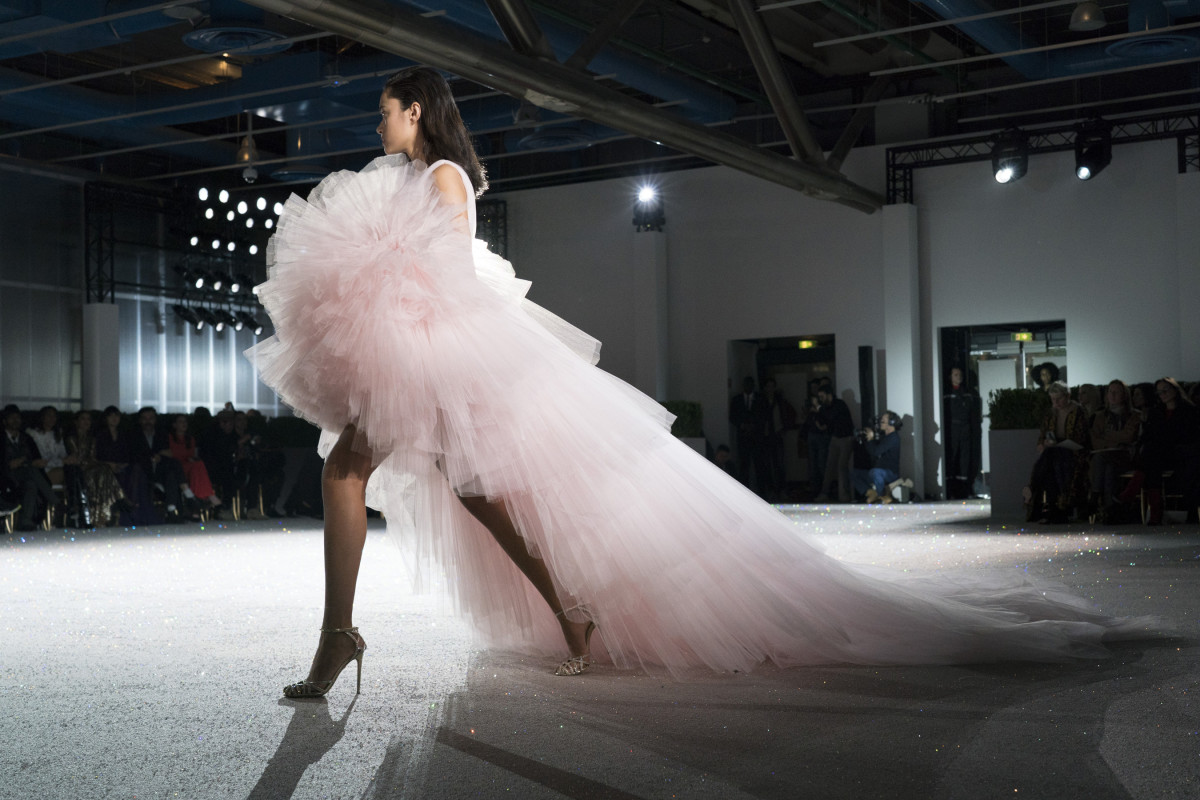 A look from Giambattista Valli's Spring 2019 Couture collection. Photo: Imaxtree