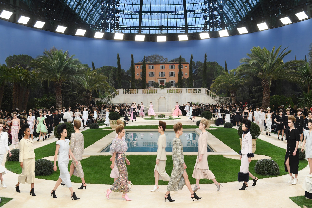 The looks from Chanel's Spring 2019 Couture runway show. Photo: Pascal Le Segretain/Getty Images