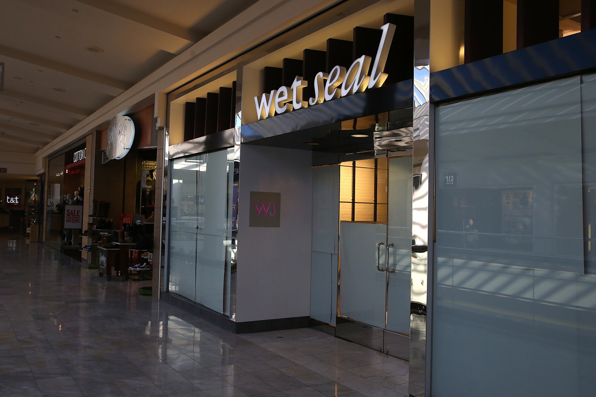 A closed Wet Seal store. Photo: Justin Sullivan/Getty Images