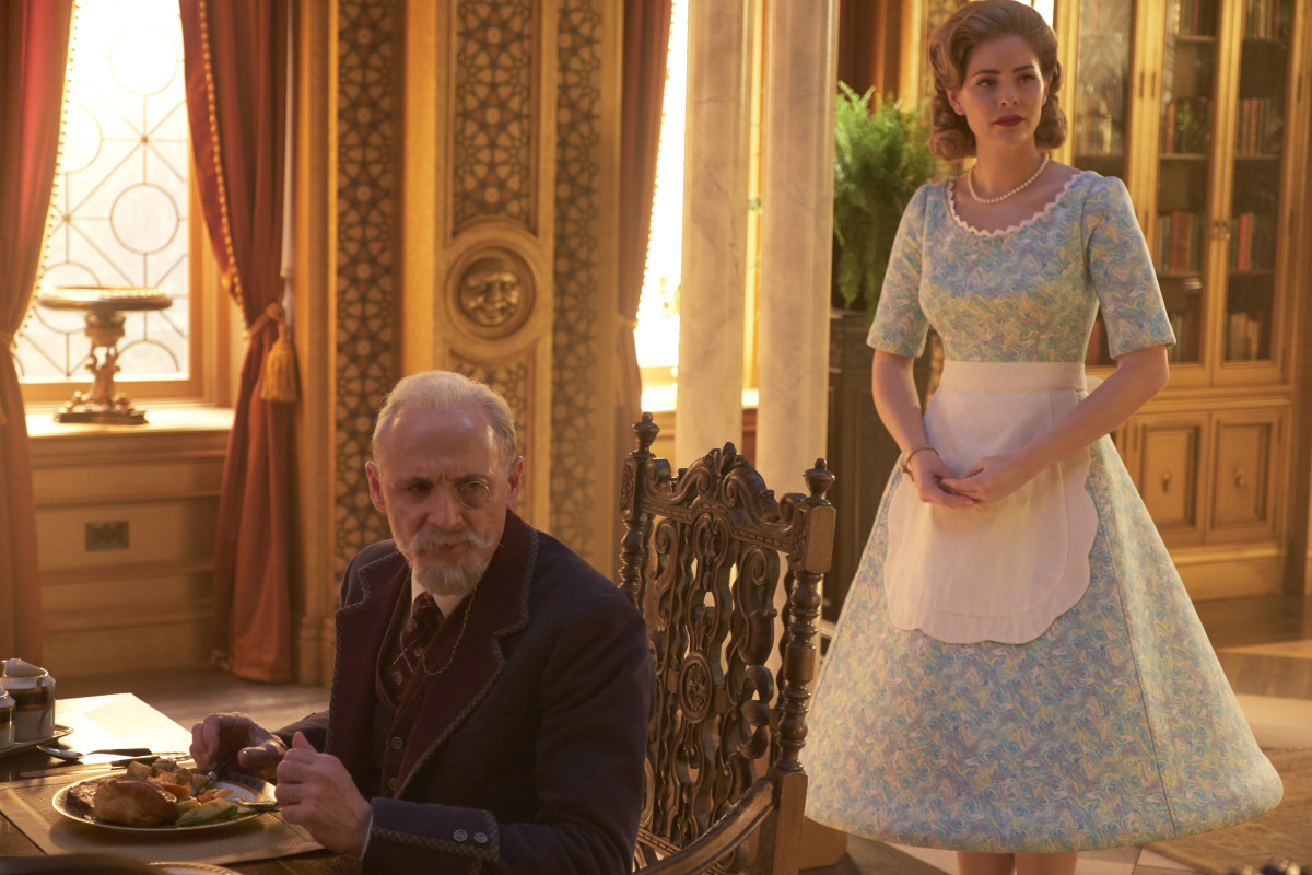 Sir Reginald Hargreeves (Colm Feore) and Grace (Jordan Claire Robbins). Photo: Christos Kalohoridis/Netflix