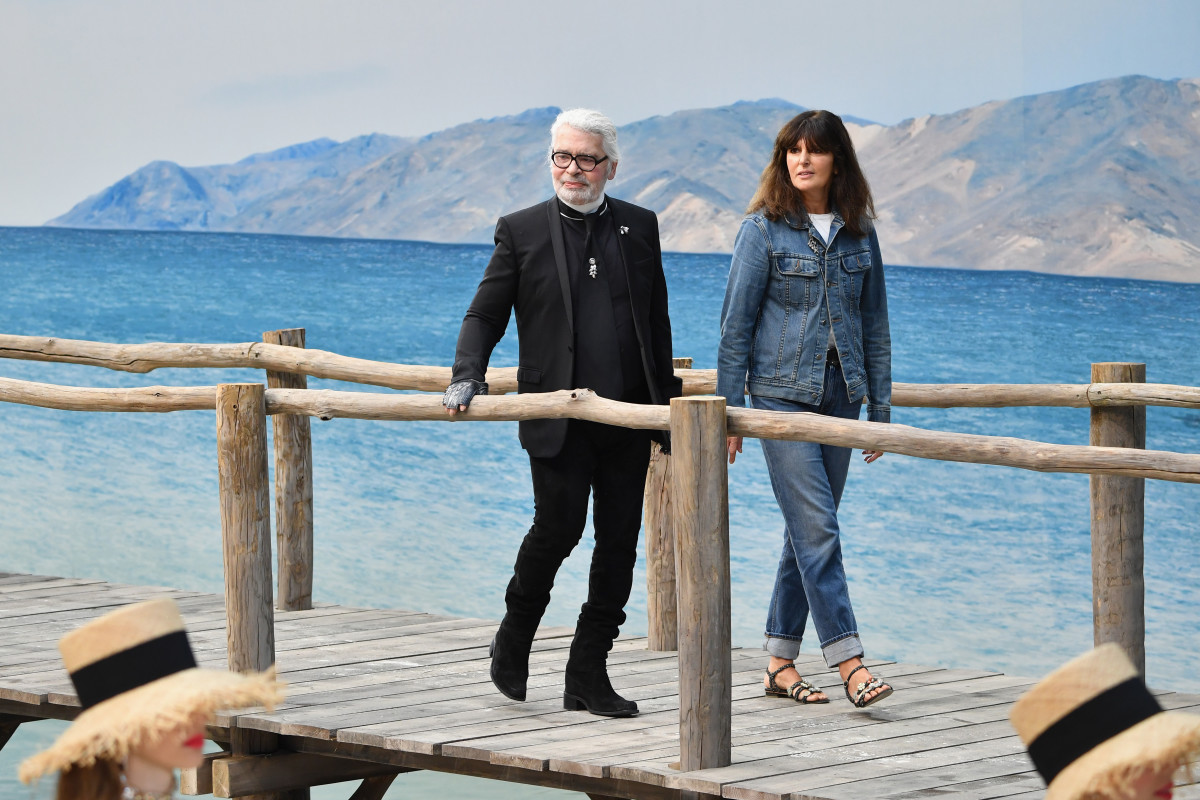 Karl Lagerfeld with Virginie Viard, right, at the Chanel Spring 2019 fashion show. Photo: Pascal Le Segretain/Getty Images