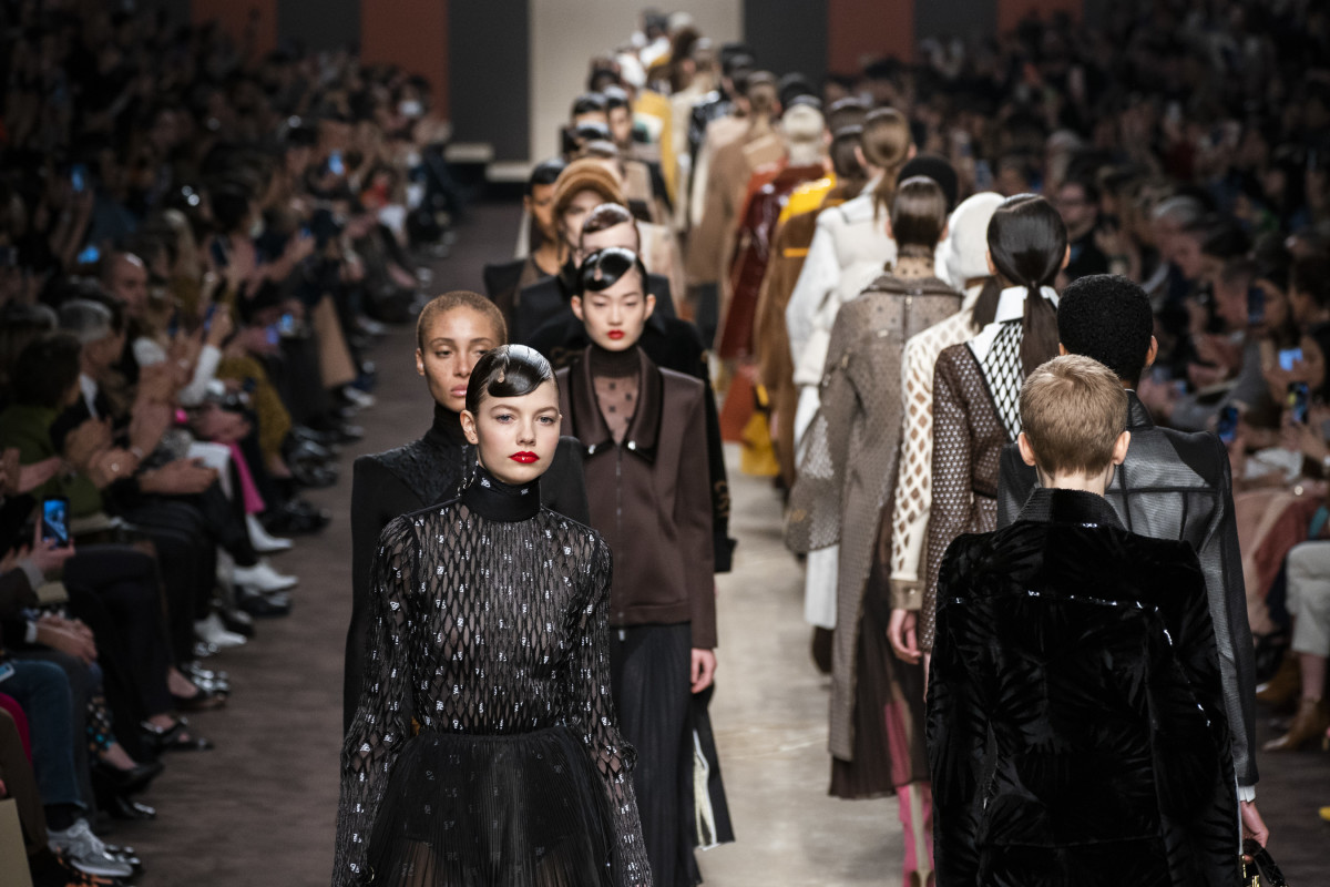 76cf0b095c1 Karl Lagerfeld Lives on Through His Final Collection for Fendi, Fall ...