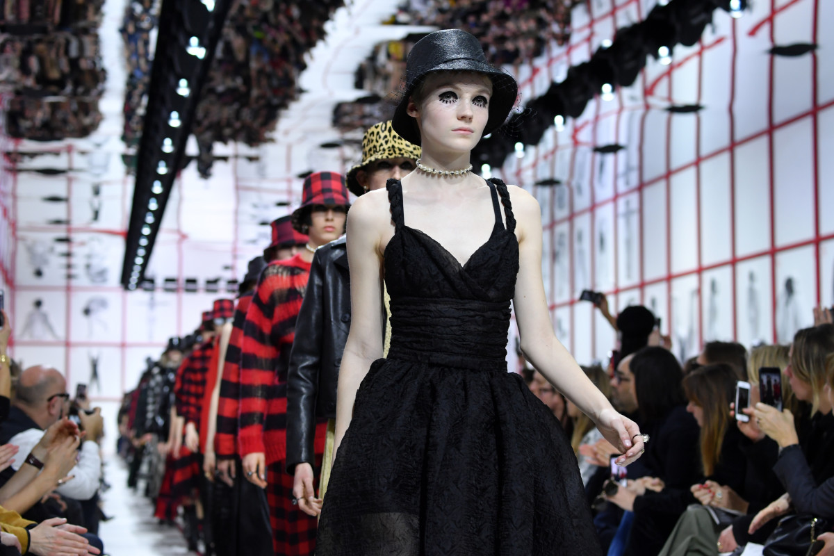 Dior Shows Its Own Version Of Hat Hair And Doll Lashes For