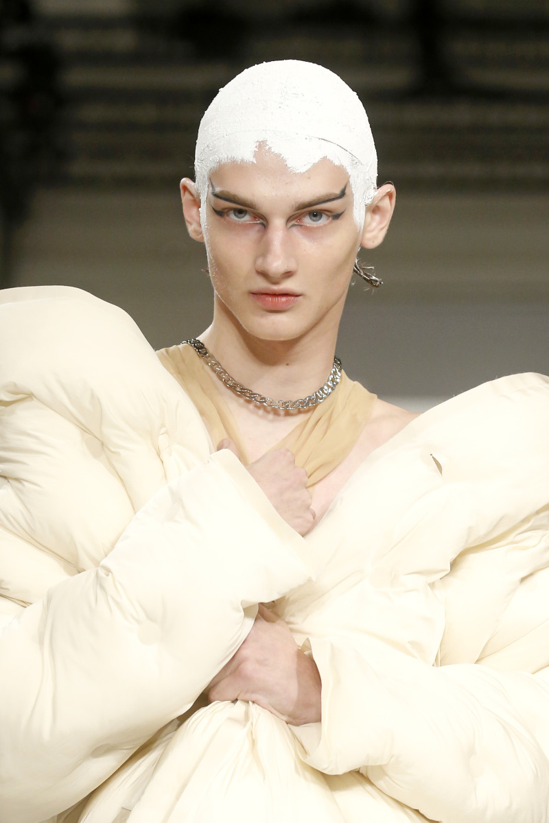 The beauty look from Maison Margiela's Fall 2019 show. Photo: Richard Bord/Getty Images