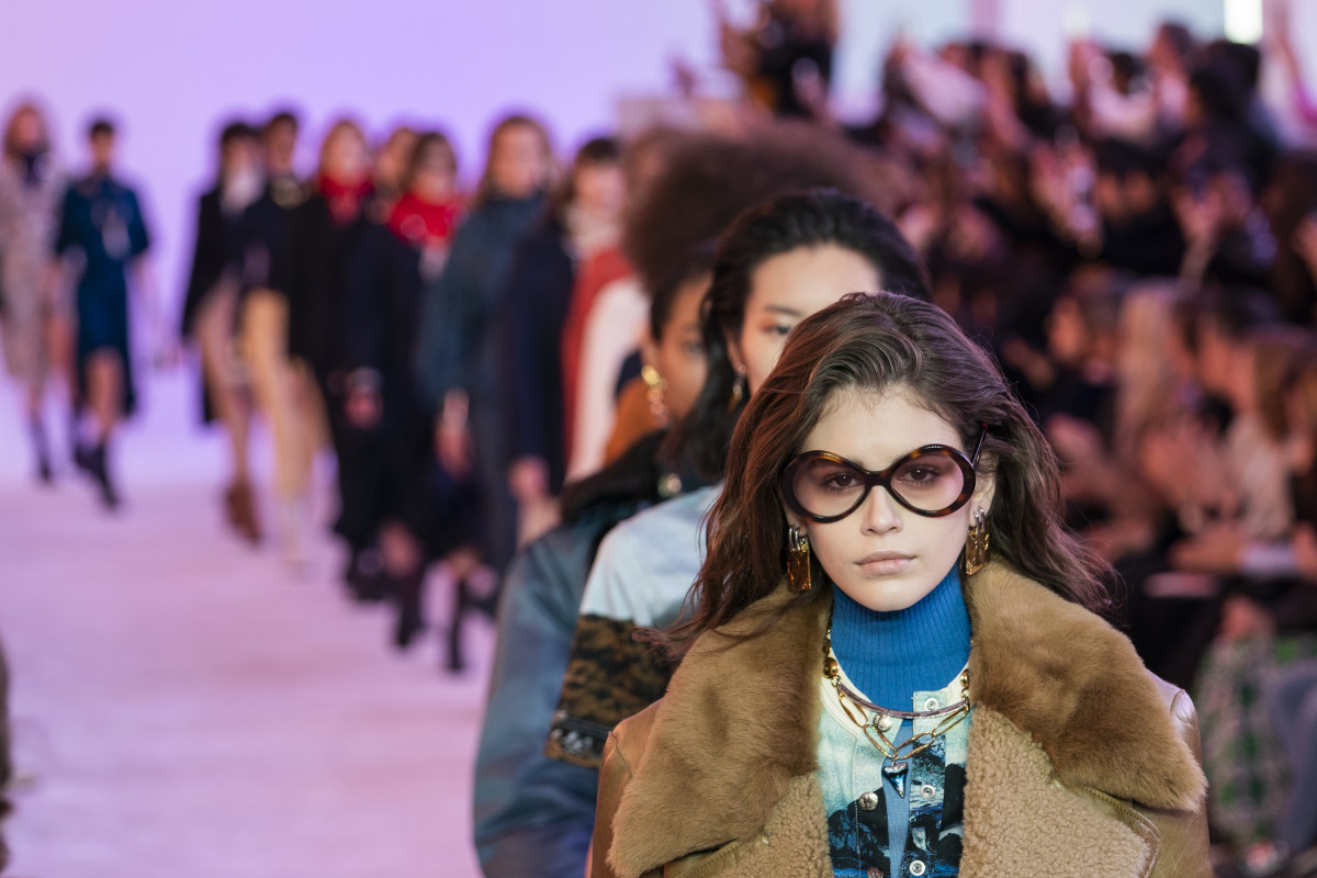 Kaia Gerber and other models walking the Fall 2019 Chloé runway show. Photo: Imaxtree