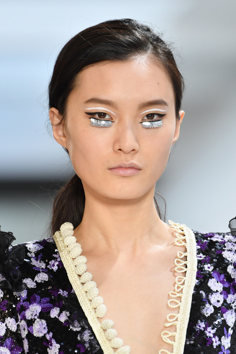 A beauty look from the Giambattista Valli Fall 2019 runway. Photo: Pascal Le Segretain/Getty Images