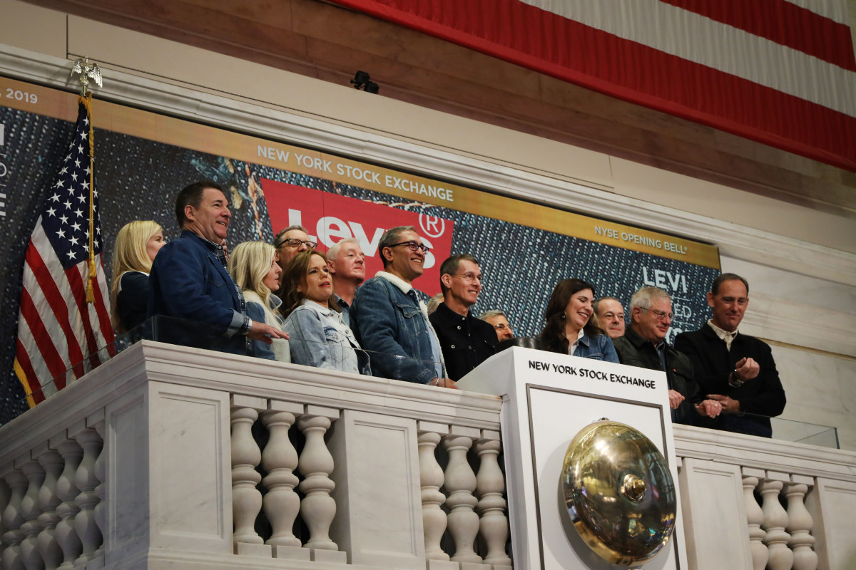 Levi's employees and owners ring the Opening Bell on the floor of the New York Stock Exchange. Photo: Spencer Platt/Getty Images