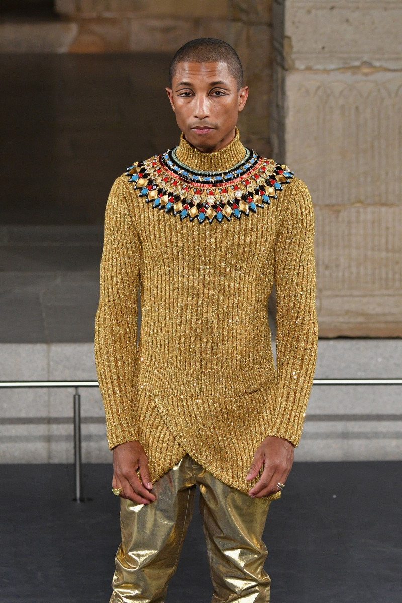 Pharrell Williams walks Chanel's Métiers d'Art 2019 show at The Metropolitan Museum of Art. Photo: Dia Dipasupil/Getty Images