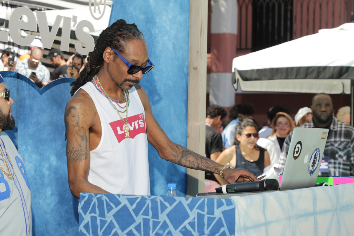 Snoop Dogg DJs the Levi's pool party. Photo: Courtesy of Levi's