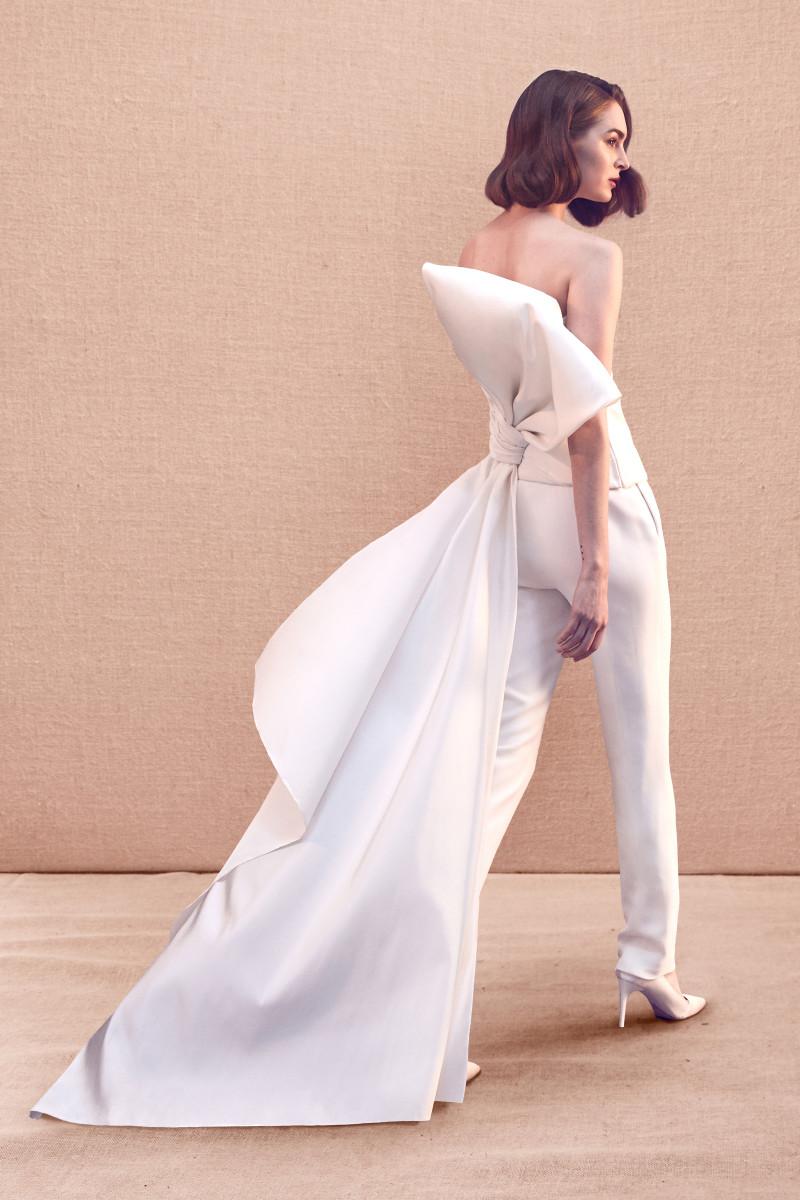 A look from the Oscar de la Renta Spring 2020 bridal collection. Photo: Courtesy of Oscar de la Renta