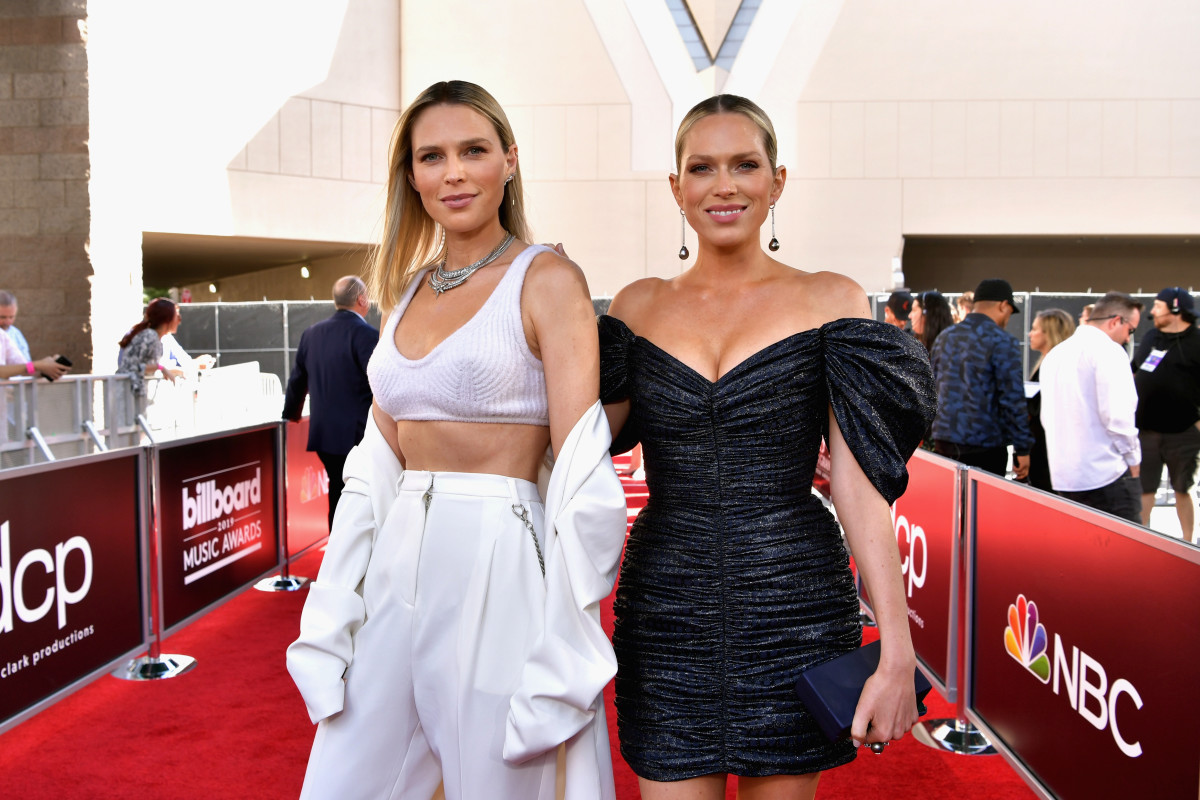 How I Shop: Sara and Erin Foster - Fashionista