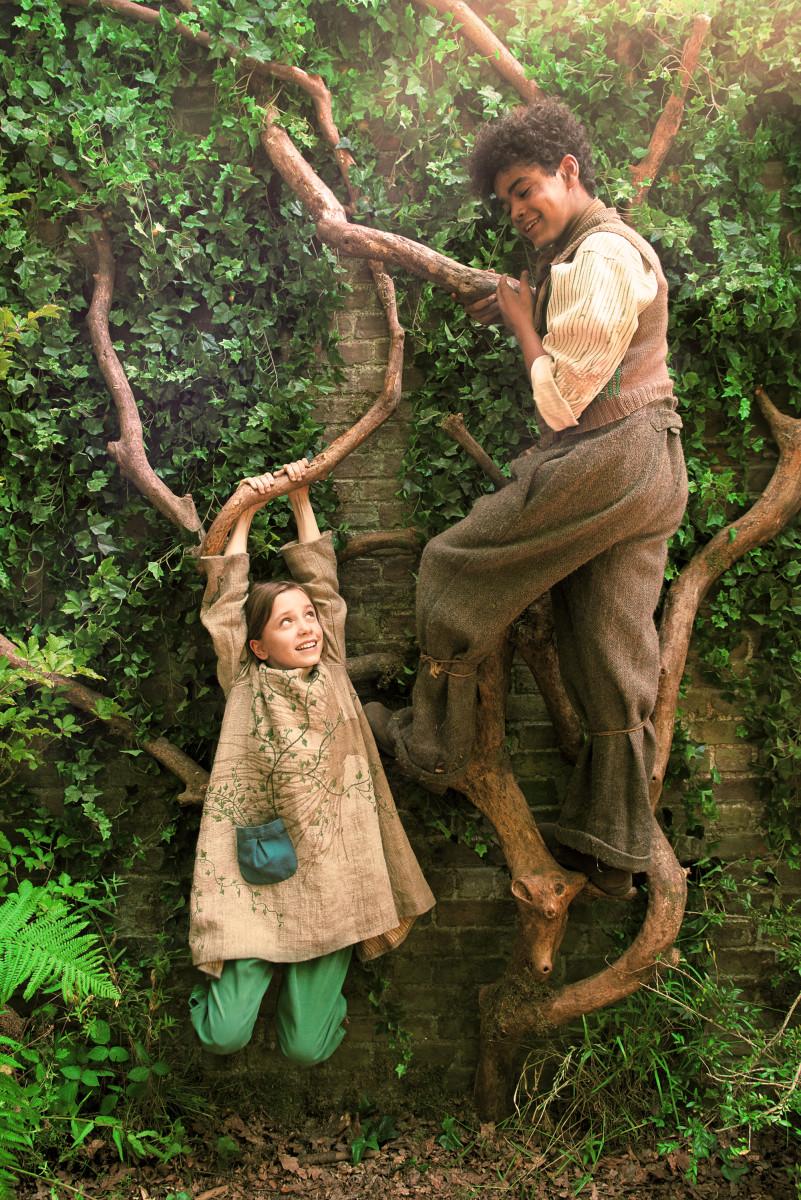 Mary Lennox (Dixie Egerickx) and Dickon (Amir Wilson).
