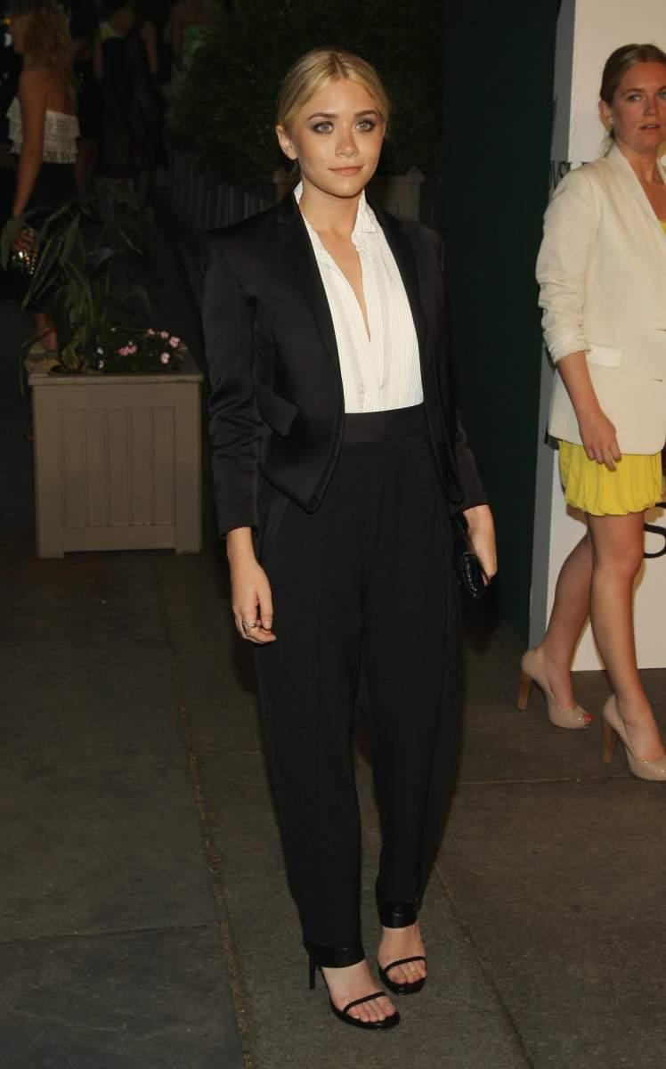 Celebrity Fashion: ashley olsen calvin klein