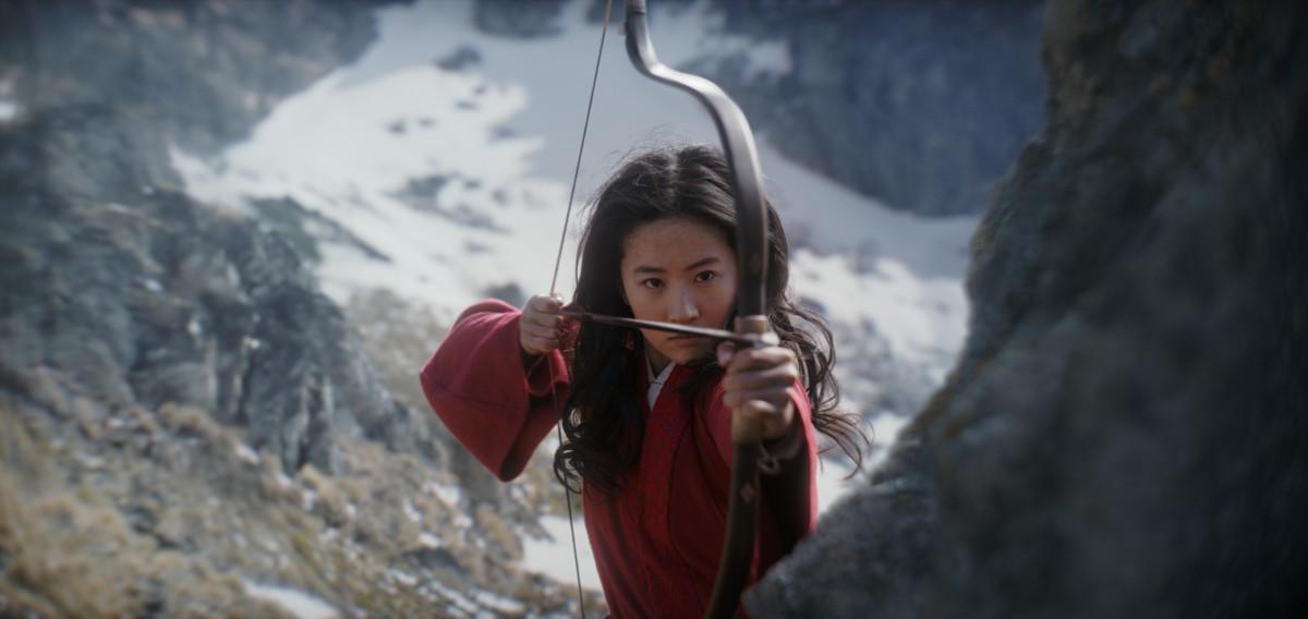 Mulan (Liu Yifei).