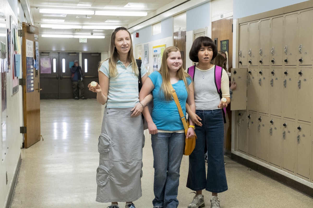 Anna, the iconic skirt, Maura (Ashlee Grubbs) and Maya.