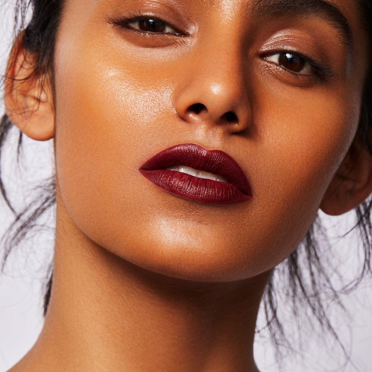 uoma-beauty-lipstick