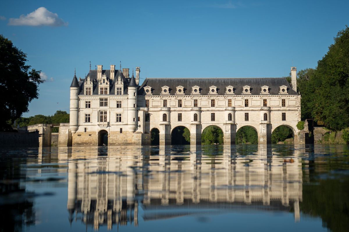 fashion A view of Chateau Chenonceau from the River Cher.